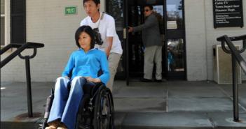 """2011年7月19日,桑兰亲自到美国警察局报""""一级强奸罪""""刑事案"""